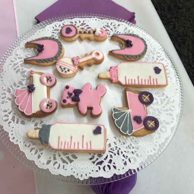 Oh la la les biscuits de la babyshower de toysrushellip